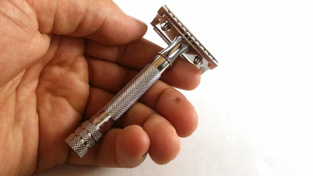 Merkur 33c Review - Is the Classic Worth it? 3